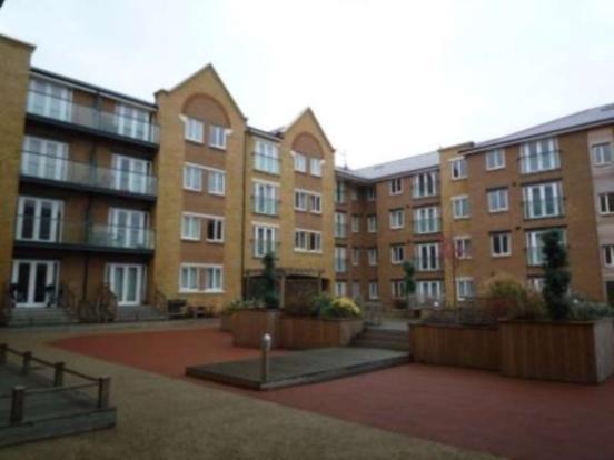 bedroom apartment to rent in phoenix court gravesend da11
