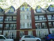 2 bedroom Apartment in Station Road...