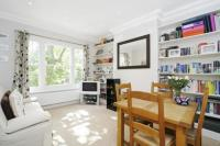 2 bedroom Maisonette to rent in Wandsworth Bridge Road...