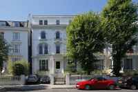2 bedroom Flat to rent in Pembridge Crescent...