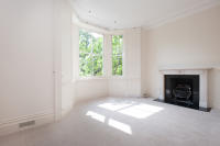 Flat to rent in Campden Hill Road...