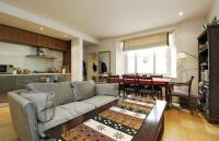 Flat to rent in Kensington Church Street...