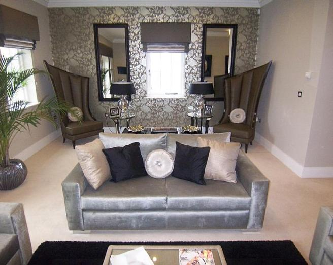 Grey living room design ideas photos inspiration for Grey silver wallpaper living room