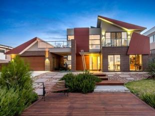 Terraced house in Mount Martha, VIC