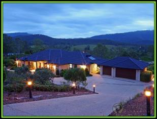 Terraced property in Mount Nathan, QLD