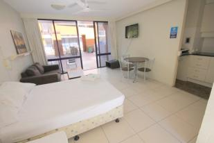 1 bed Apartment for sale in Surfers Paradise...