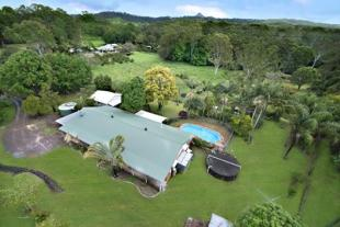 884 Eumundi Noosa Road house