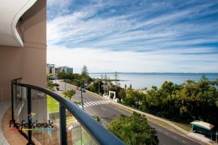 Flat in Redcliffe, QLD