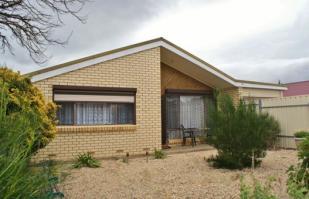 3 bedroom home in 4 Gail Crescent...