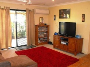 Terraced home for sale in BURDELL, QLD