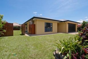 4 bedroom home for sale in 10 Altona Street...