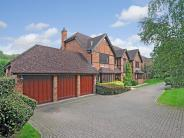 6 bedroom Detached home in South Park Crescent...