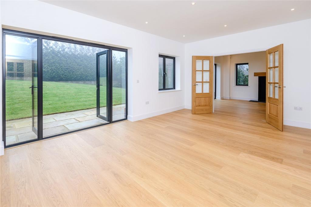 5 Bedroom Detached House For Sale In Beeches Drive