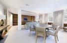 Apartment to rent in Lowndes Square, London...
