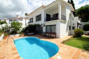 2 bed Semi-detached Villa in Andalusia, M�laga...