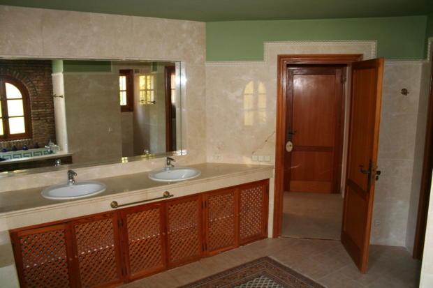 Bathroom 1 1