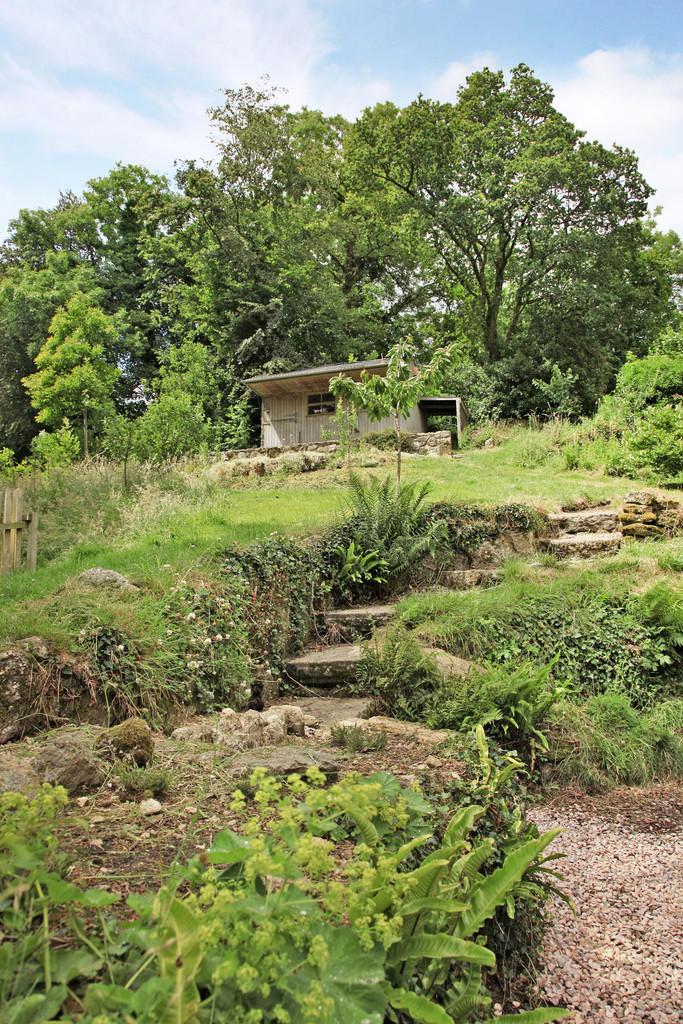 4 bedroom detached house for sale in moretonhampstead tq13