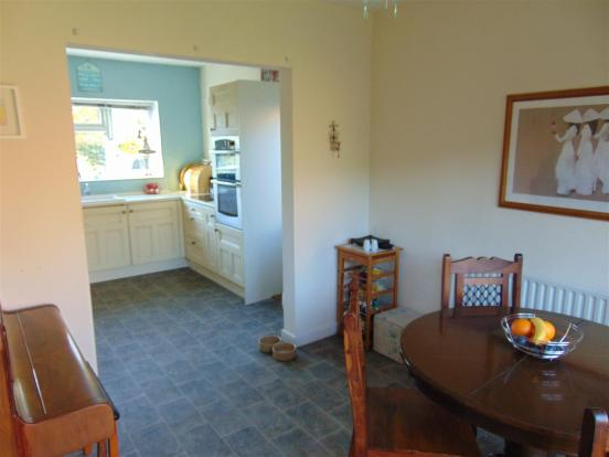 FITTED DINING KITCHE
