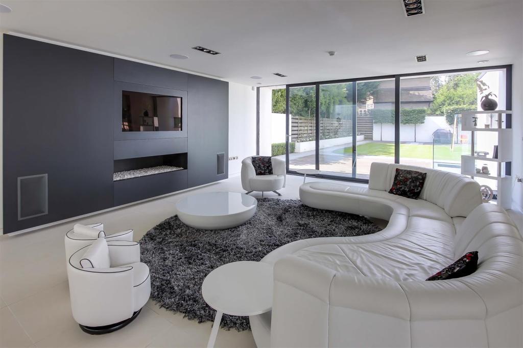 lounge close.JPG