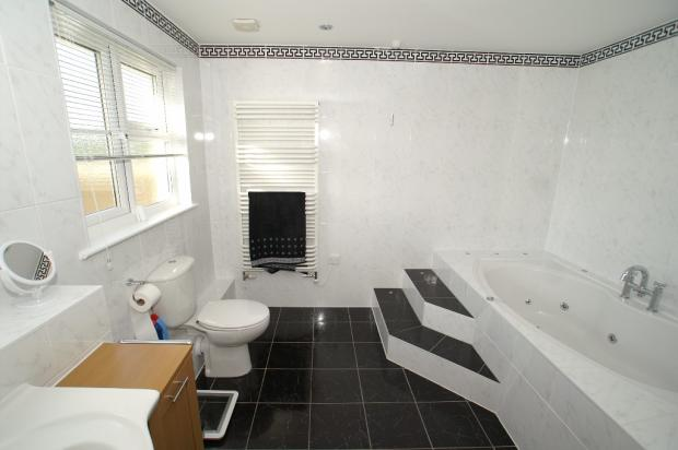 E/S Whirlpool Bath
