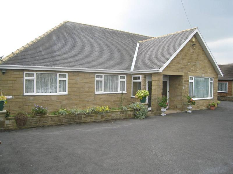 4 bedroom detached bungalow for sale in Ninelands Spur, Garforth ...