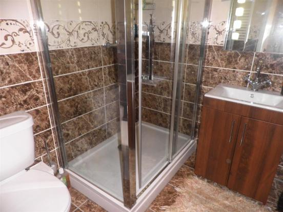 SHOWER ROOM/WC