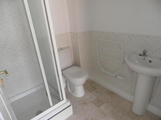 EN-SUITE SHOWER W/C