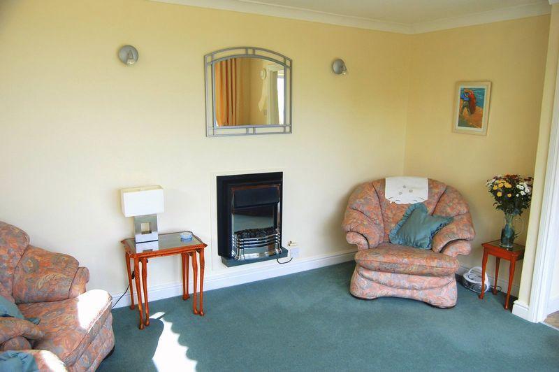 Garden Flat Lounge