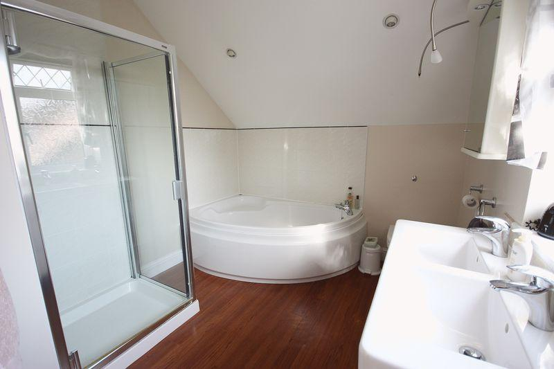 Ensuite Bathroom to