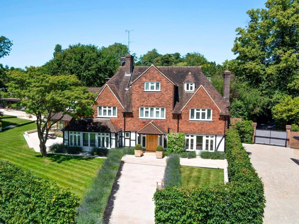 Detached Properties For Sale At Kington