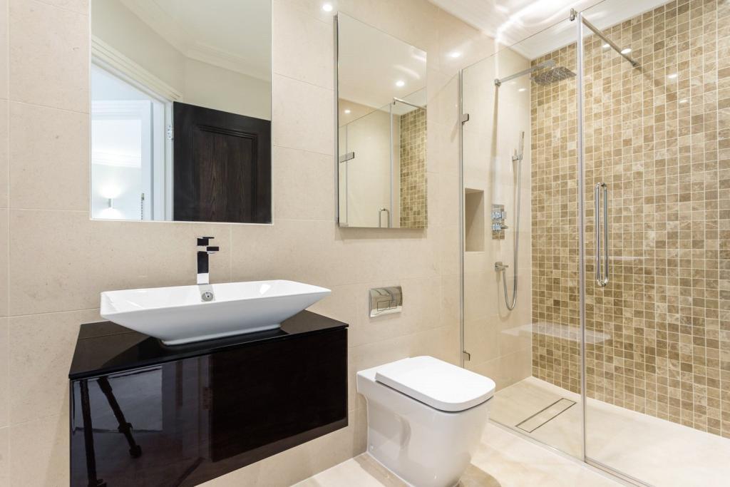 Octagon,Bathroom detail