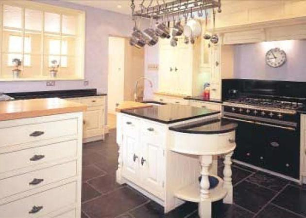 AVAILABLE FOR SHORT LETS FROM JULY TO SEPTEMBER 2012