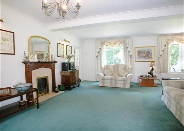 Property to rent in Bagshot - near Ascot and Sunningdale - DRAWING RM