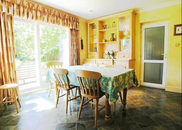 Property to rent in Bagshot - near Ascot and Sunningdale - BREAKFAST RM