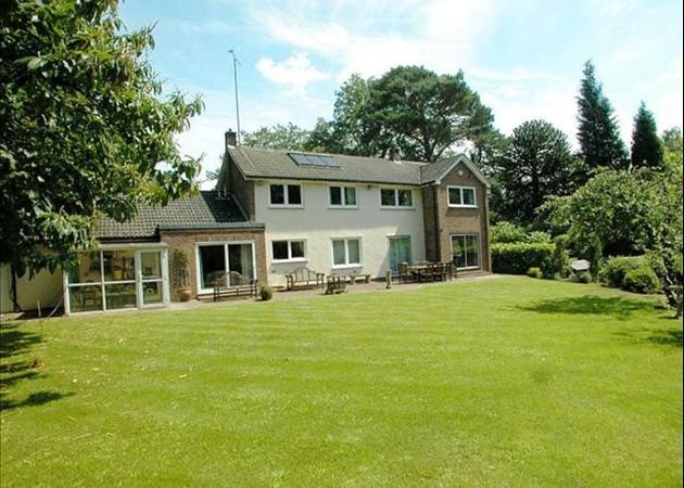 Property to rent in Bagshot - near Ascot and Sunningdale - REAR