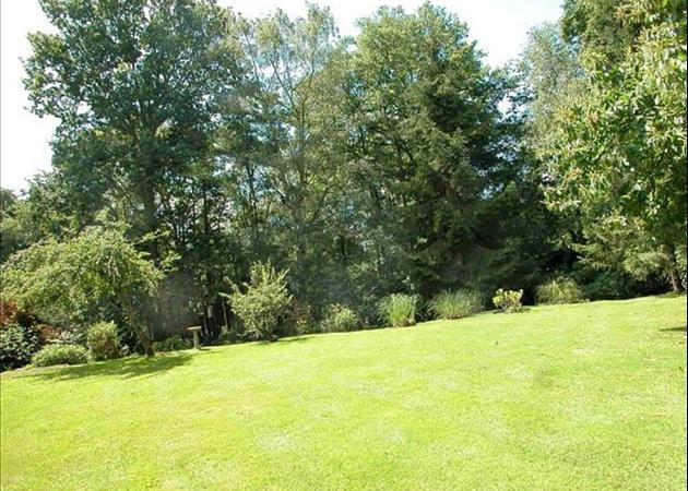 Property to rent in Bagshot - near Ascot and Sunningdale - GARDEN