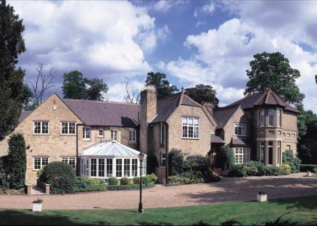 AVAILABLE FOR SHORT LETS FROM JULY TO SEPTEMBER 2012  (Main)