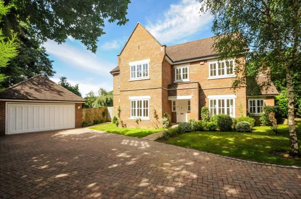 Family home to let i