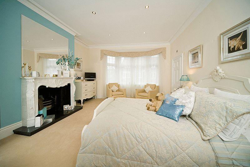 Turquoise Master Bedroom Design Ideas Photos Inspiration Rightmove Home Ideas