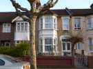 3 bed house in Terrace Road, London, E13