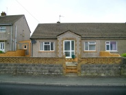 2 bedroom Semi-Detached Bungalow for sale in Hillcroft, Johnston...