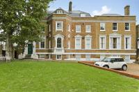 3 bed Flat in 113 Gilmore House...