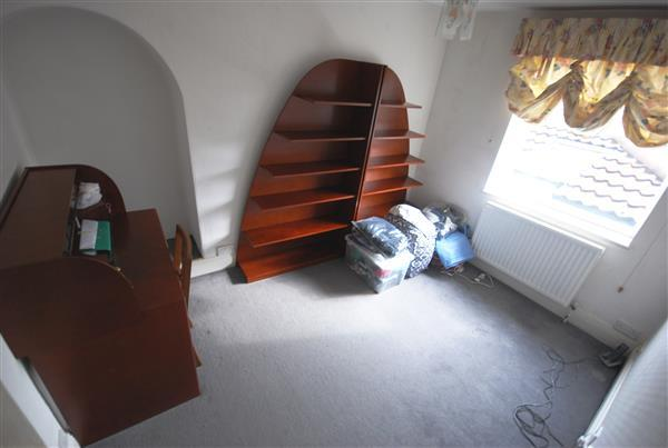 Bedroom2/ Study