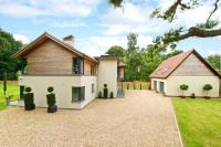 5 bedroom Detached property in Bedford Road, Cople...