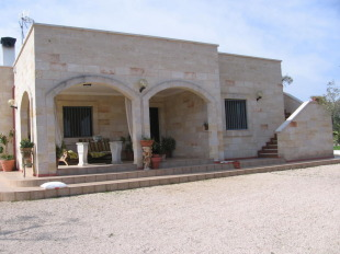 Villa for sale in Apulia, Brindisi...