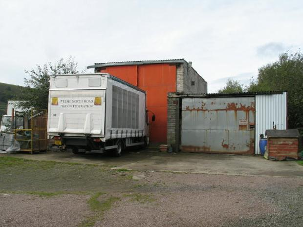 Garage and Storing Building1