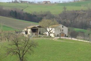 Country House in Amandola...