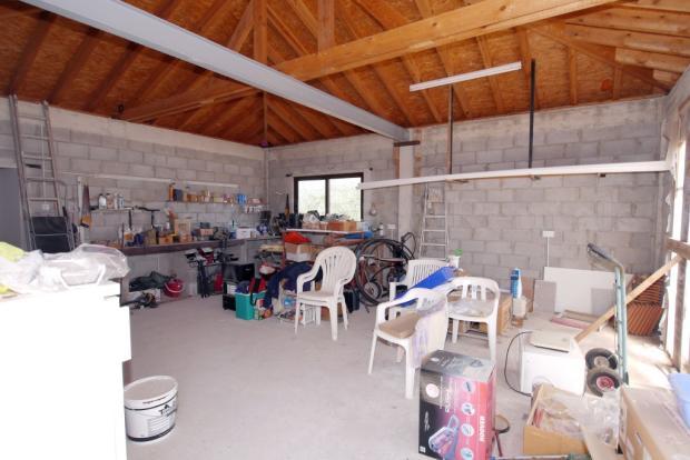 Garage/annex