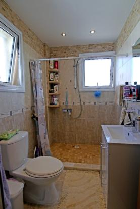 En - Suite Shower