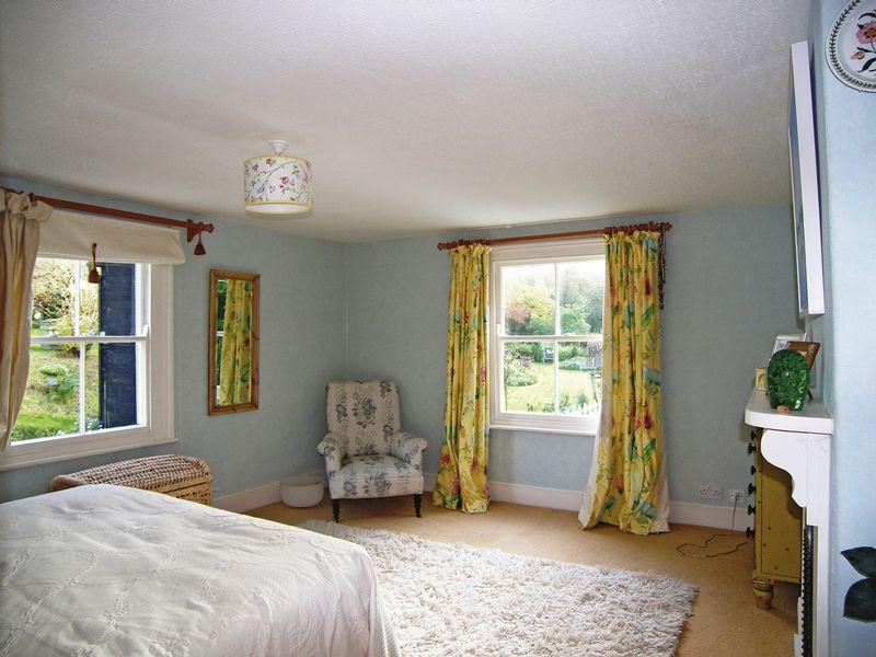 Yellow Master Bedroom Design Ideas Photos Inspiration Rightmove Home Ideas